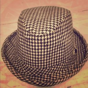 Women's Houndstooth Hat One Size